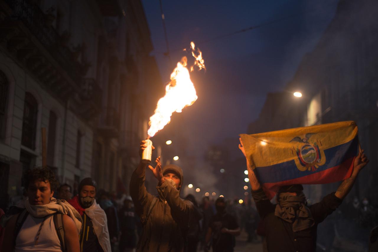 https://rwr.fm/wp-content/uploads/ECUADOR-PROTESTS-AGAINST-ECONOMIC-109.jpg