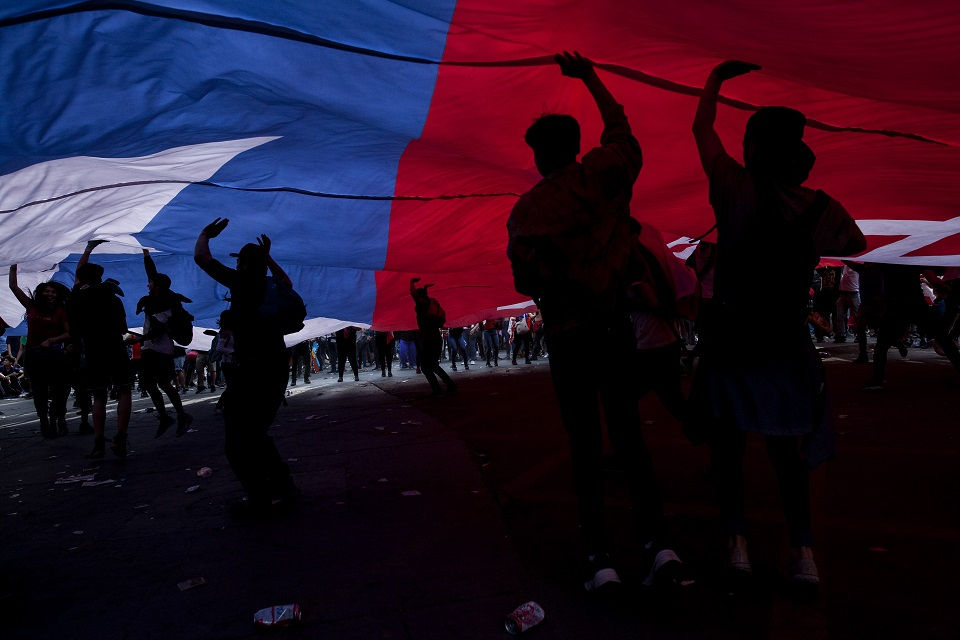 Chile mobilizes for peace, solidarity and dignity